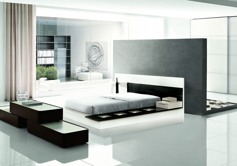 Impera Modern Contemporary Lacquer Platform Bed Black