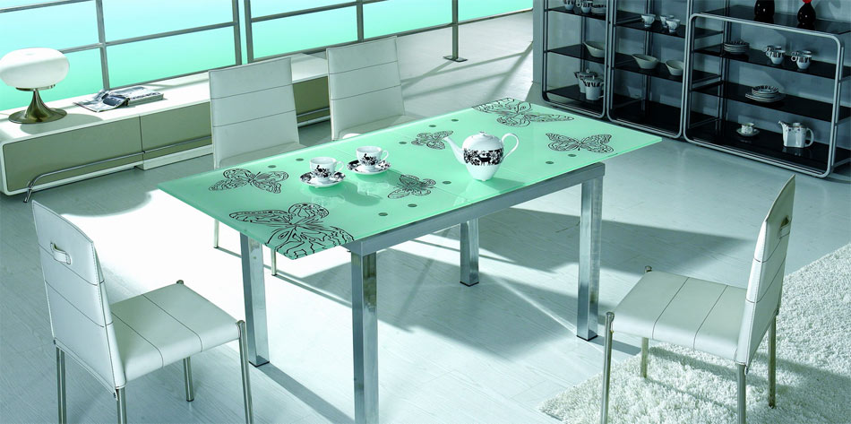 Black Design Co: Extendable Dining Table & 4 Chairs